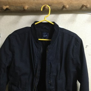 gapのノーカラージャケットフランス人は10着しか服を持たないらしいので、10着選んでみた。2016チャックシャツ アバクロ年秋冬版【ミニマリスト】