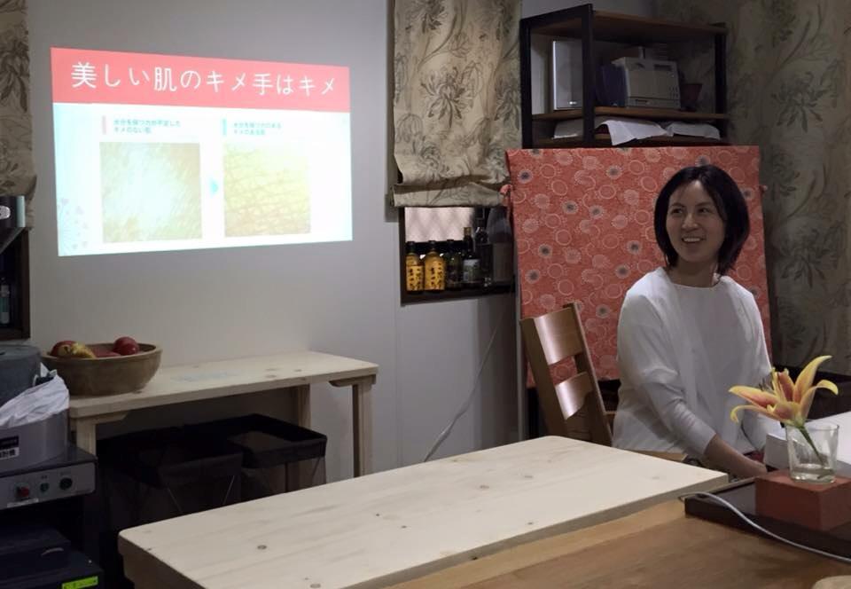 蕎麦打ち教室も開催してます。