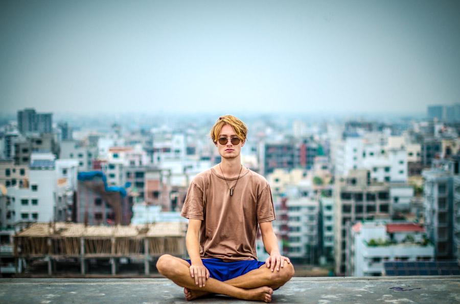 『静寂にこそ力がある』世界の僅か数%が実践する富を手にする瞑想方法とは?